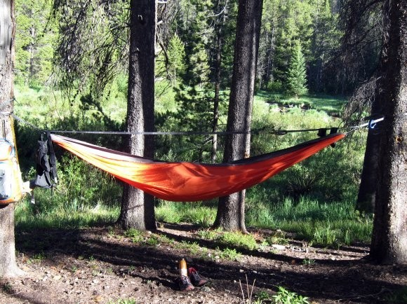 How to hang a hammock with rope (2)