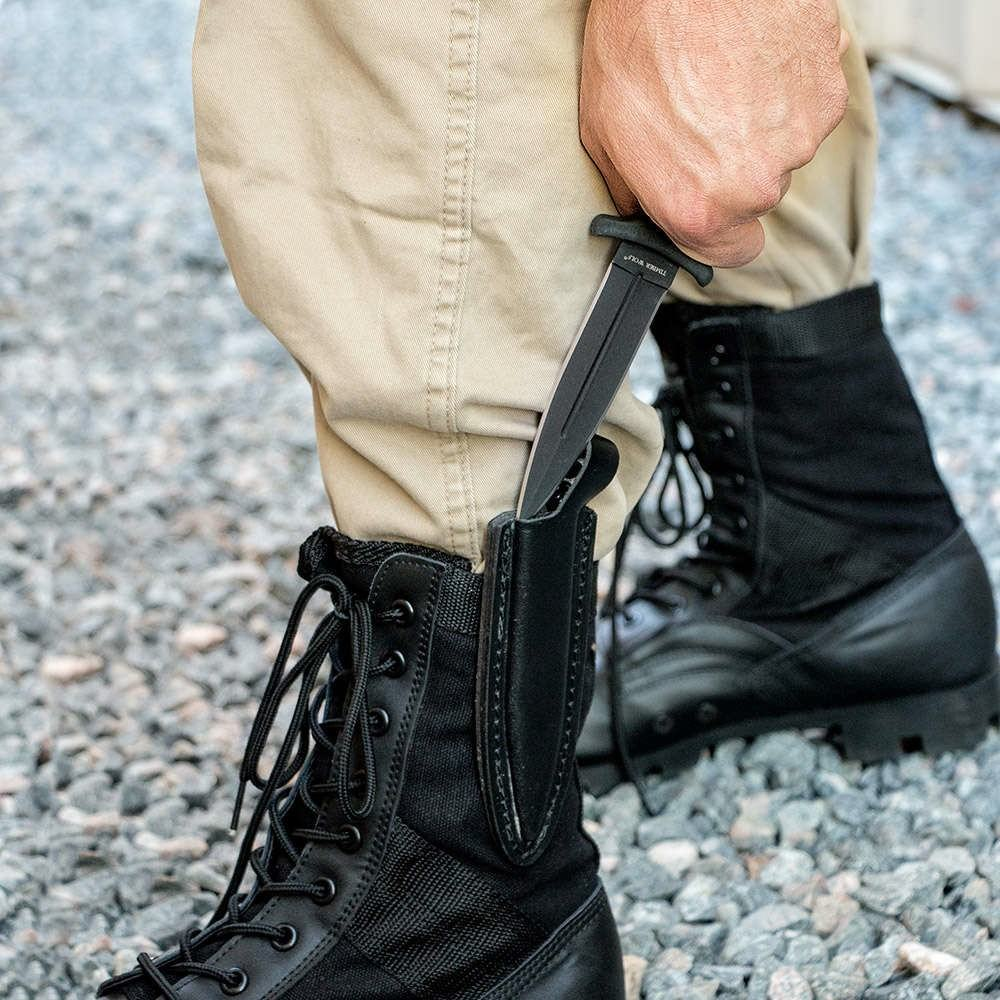 How to wear a boot knife